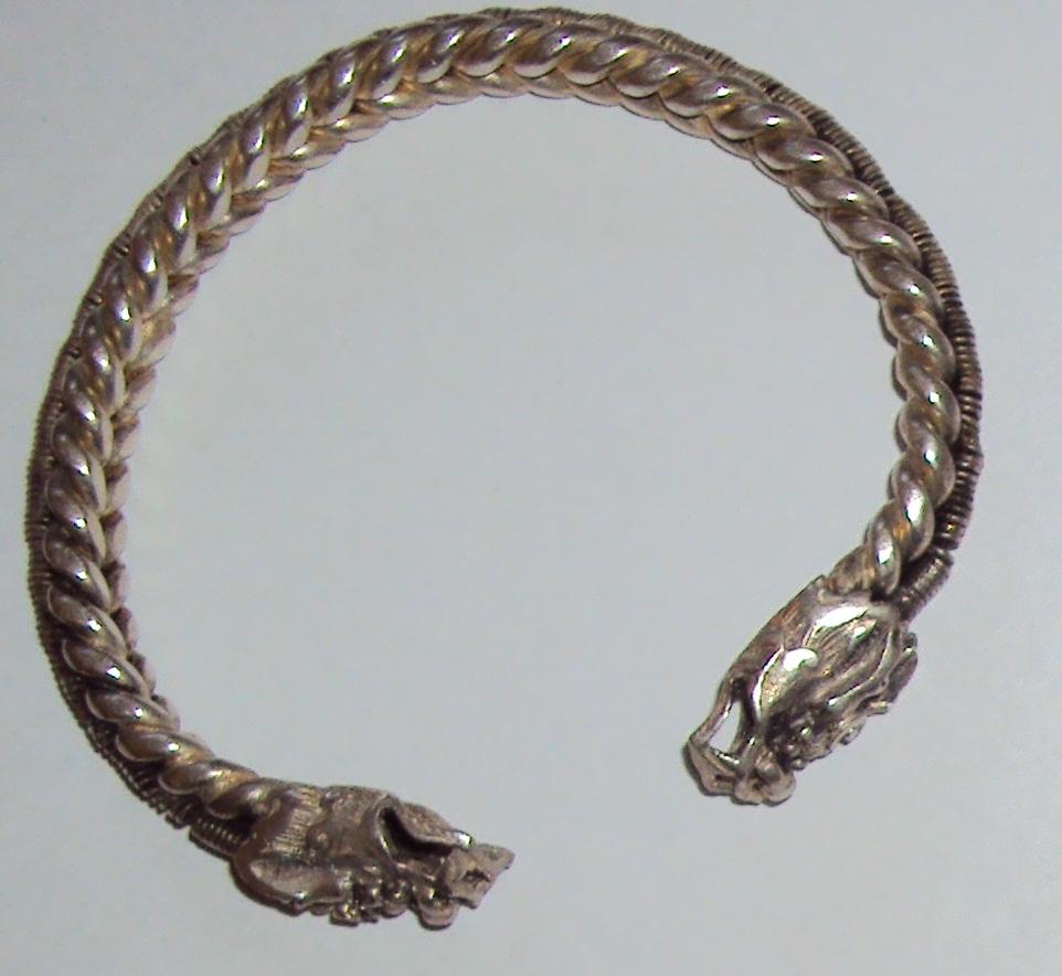 Tibeti ezüst karkötő-0